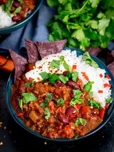 The best beef chilli con carne recipe in the world! We always have this on recipe rotation at home. Best Chilli Recipe, Chilli Recipes, Mexican Food Recipes, Beef Recipes, Healthy Recipes, Ethnic Recipes, Lunch Recipes, Baking Recipes, Mexican Chilli Con Carne