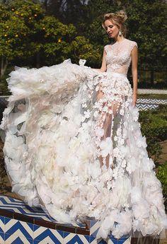 Dress: Oksana Mukha