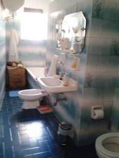 Τιμή ευκαιρίας € 65.000 Toilet, Bathtub, Bathroom, Standing Bath, Washroom, Flush Toilet, Bathtubs, Bath Tube, Full Bath