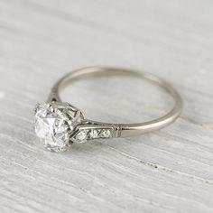 Mi precioso anillo de boda... ¿Os gusta? :)