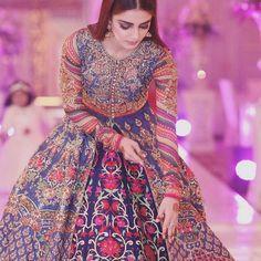 Maya Ali in Nomi Ansaris Dress Pakistani Formal Dresses, Pakistani Fashion Party Wear, Indian Gowns Dresses, Pakistani Outfits, Indian Fashion, Mehendi Outfits, Indian Wedding Outfits, Bridal Outfits, Indian Outfits
