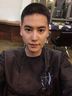 SUPER JUNIOR キュヒョン、入隊控えて断髪…坊主頭を公開「泣かないで元気に暮らしてね」 - ENTERTAINMENT - 韓流・韓国芸能ニュースはKstyle