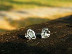 Hey, I found this really awesome Etsy listing at https://www.etsy.com/listing/70971430/swarovski-crystal-stud-stunning-sweet
