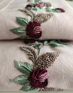 Flower Embroidery Designs, Creative Embroidery, Diy Embroidery, Embroidery Stitches, Embroidery Patterns, Easy Flower Drawings, Korean Wedding Photography, Meringue Desserts, Cross Stitch Flowers