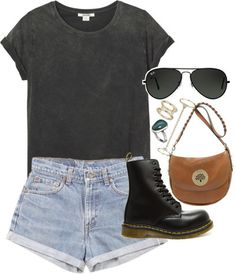 Cuuuute little outfit with doc martens Mehr Dr. Martens, Botas Dr Martens, Dr Martens Boots, Doc Martens Outfit Summer, Dr Martens Outfit, Outfits With Doc Martens, Summer Fashion Outfits, Cool Outfits, Casual Outfits