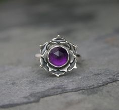 Loto violeta amatista plata esterlina anillo por KiraFerrer en Etsy