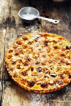 Quand les mirabelles sont belles, faisons vite des tartes ! Tarte aux mirabelles avec comme une frangipane croquante…