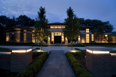 a contemporary residence designed by kevin akey of azd architects    www.azdarch.com