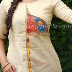 Kurta Neck Design, Blouse Neck Designs, Kurta Designs, Sleeve Designs, Embroidery On Kurtis, Kurti Embroidery Design, Embroidery Neck Designs, Hand Embroidery, Kurti Patterns