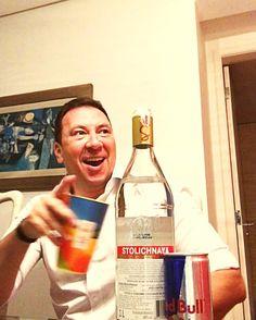 Amigo que é amigo pega sempre o pior ângulo!!!!!! Valeu @Bico kkkkkkkk  Partiu White Party!!!!!! até amanhã