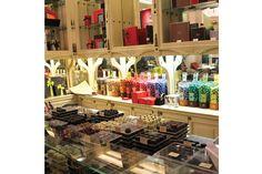 A una hora y media en tren desde parís, esta ciudad es la cuna del mejor chocolate y otras delicias gourmet. Allí fuimos con Juli López May.