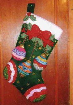 Imágen: Bota esferas de navidad bucilla