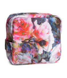 The perfect makeup bag. #HMPastels