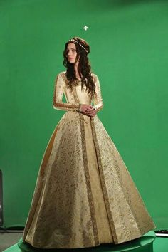 cw reign costumes | Reign CW costume medieval time | Random stuff I like