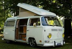 Bus Camper, Vw Bus T2, Camper Van Life, Volkswagen Bus, Volkswagen Beetles, Vw Bugs, Kombi Trailer, Combi T2, Van Vw