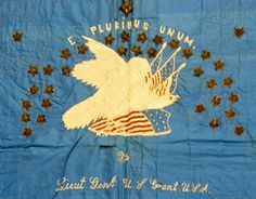 Banner Quilt made for General Ulysses S. Grant during the Civil War by the Ladies' Social Circle of Eureka, California. American Quilt, American War, American Soldiers, Patriotic Images, Flag Quilt, Civil War Quilts, Quilt Making, Eagles, Bald Eagle