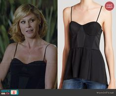 Claire's black peplum top on Modern Family.  Outfit Details: http://wornontv.net/45624/ #ModernFamily