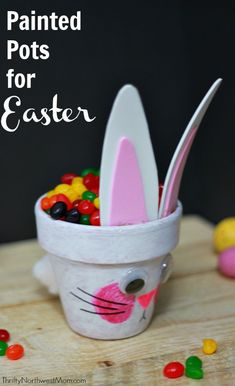 Baby Animal Painted Pots for Easter for Candy Dish, Easter Decor or Mini Easter Baskets - Thrifty NW Mom Easter Bunny Cake, Easter Candy, Easter Cookies, Crafts For Kids To Make, Easter Crafts For Kids, Easter Decor, Easter For Babies, Easter Ideas, Candy Crafts