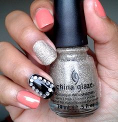 Coral, Glitter & Strass