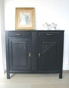 Meuble de style louis xvi peint et patin dans les tons de for Entreposage de meuble
