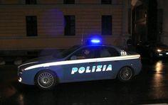 Schiaffi e calci per parcheggio.Fanno pace grazie a intervento della Polizia - http://www.sostenitori.info/schiaffi-calci-parcheggio-fanno-pace-grazie-intervento-della-polizia/226047