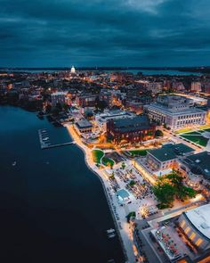 Look at this gorgeous view of Madison WI . Cities In Wisconsin, Madison Wisconsin, Milwaukee Wisconsin, University Of Wisconsin, Wisconsin Cheese, Tourist Info, World Cities, City Photography, Travel Goals