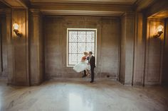 Elegant and Playful Portraits for a San Francisco City Hall Wedding | IQphoto Studio | See More! http://heyweddinglady.com/a-chic-san-francisco-city-hall-elopement-from-iqphoto-studio/