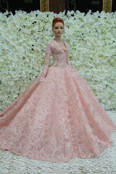 I wouldn't have as low of a neckline. Barbie Wedding Dress, Barbie Gowns, Doll Clothes Barbie, Barbie Dress, Fashion Royalty Dolls, Fashion Dolls, Bride Dolls, Beautiful Barbie Dolls, Barbie Princess