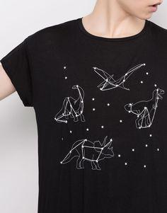 Pull&Bear - mulher - novidades - t-shirt bordada manga curta - preto - 09243327-V2016