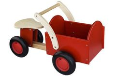 New Classic Toys Classic bakfiets rood Gaudi, Dollhouse Toys, Baby Kind, Wheelbarrow, Wood Toys, Classic Toys, Home Projects, Kids Toys, Baby Strollers