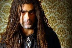 Mosh Ben Ari - Israeli artist Hebrew Bible, Attractive Men, Dreadlocks, My Style, Hair Styles, Israel, Artist, Beauty, Beleza