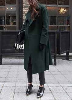 Hunter green coat with black cigarette pants and loafers for fall. Pair with gold jewelry for an on-trend look.