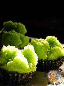 Apam Tepung Beras, no need to peram Indonesian Desserts, Asian Cake, Steamed Cake, Coconut Desserts, Thai Dessert, Dessert Recipes, Food And Drink, Snacks, Baking