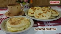 AREPAS ANDINAS de harina de trigo Fáciles y Riquisimas - YouTube Latin Food, Spanish Food, Empanadas, Tacos, Pudding, Desserts, Recipes, Pancakes, Facebook