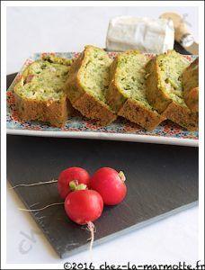Cake aux fanes de radis, chèvre et lardons