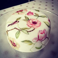 Hand Painted Wedding Cakes - MurrayMe
