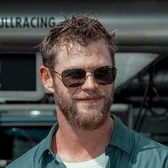 Chris Hemsworth, Bearded Men, Mens Sunglasses, Boys, Face, Beards, Style, Men Beard, Baby Boys