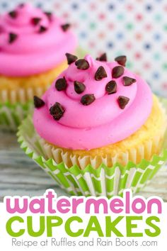 What fun pool party cupcakes! These are such simple summer cupcakes the kids are going to love to help make. Click through to get the recipe for these awesome watermelon cupcakes! Pool Cupcakes, Summer Cupcakes, Cupcake Party, Cupcake Cakes, Party Desserts, Summer Desserts, Sweets Recipes, Cupcake Recipes, Easy Vanilla Cupcakes