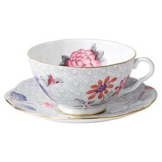 Features:  -Cleaning and care: Dishwasher safe.  -Material: Bone china.  -Set…
