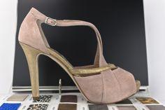#zapatos #customizados #porti #parati #moda #artesanal #plataformaoculta #peeptoes #PEEPTOE #SHOES #PUMPS #PLATFORMPUMPS #HIGHHEELS #HEELS #LEATHERSHOES #WOMENSHOES #FASHION #FASHIONSHOES #chaussures #oinetakoak #sabates #schuhe #scarpe #MadeInSpain