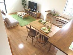 内装に合わせてナチュラル色とウォールナット材をミックスした家具でLD空間をコーディネート!