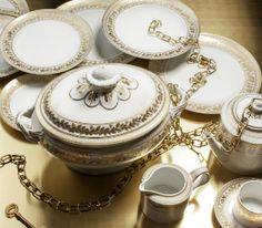 ANNA Peças decoradas a ouro com um toque de classe e requinte. (Vista Alegre)