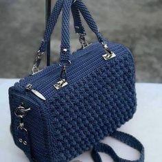 "crochet ""ergahandmade: Crochet Bag + Diagram + Step By Step Tutorials"", ""Red Bobble Stitch Ha Red Bobble Stitch Hand Bag by Indri Safitri"", ""Crochet Free Crochet Bag, Bead Crochet, Diy Crochet, Crochet Baby, Crochet Handbags, Crochet Purses, Bobble Stitch, Blue Handbags, Knitted Bags"
