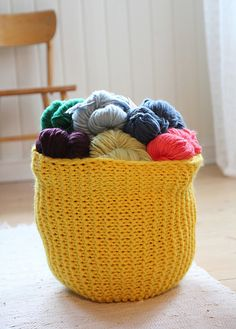 Knitted Yarn basket pattern
