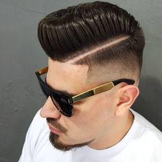 Clean fade,penteado pompadour. @dillblack @menshairworld @cubeclassic @barbershopconnect @nastybarbers @thebarberpost @barbersince98 @hairmenstyle