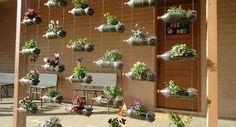 jardines verticales con botellas de plástico 1