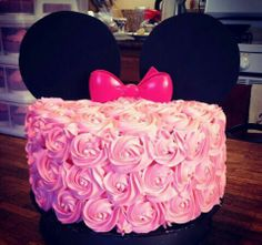 Minnie mouse rosette cake, I feel like this would be a great baby shower cake