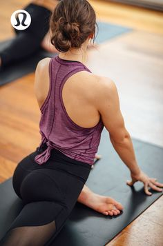 Bring on the heat in lightweight layers designed for super sweaty practices.: Wo… Bring on the heat in lightweight layers designed for super sweaty practices.: Women's Workout Clothes Yoga Fitness, Fitness Style, Fitness Fashion, Yoga Fashion, Sporty Fashion, Fitness Diet, Yoga Inspiration, Fitness Inspiration, Style Inspiration