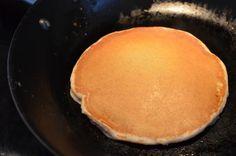 Aprenda a preparar panqueca paleo com esta excelente e fácil receita.  No TudoReceitas.com queremos ensinar você a preparar uma panqueca paleo, que é uma panqueca...