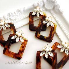 べっ甲ピアス♡(イヤリング可) Resin Jewelry, Beaded Jewelry, Handmade Accessories, Handmade Jewelry, Ideas Joyería, Laser Cutter Projects, Big Earrings, How To Make Beads, Bead Art